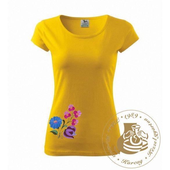 Hímzett női póló kun mintával
