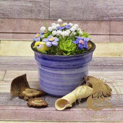 Kerámiakaspóban mezei virágok - asztaldísz