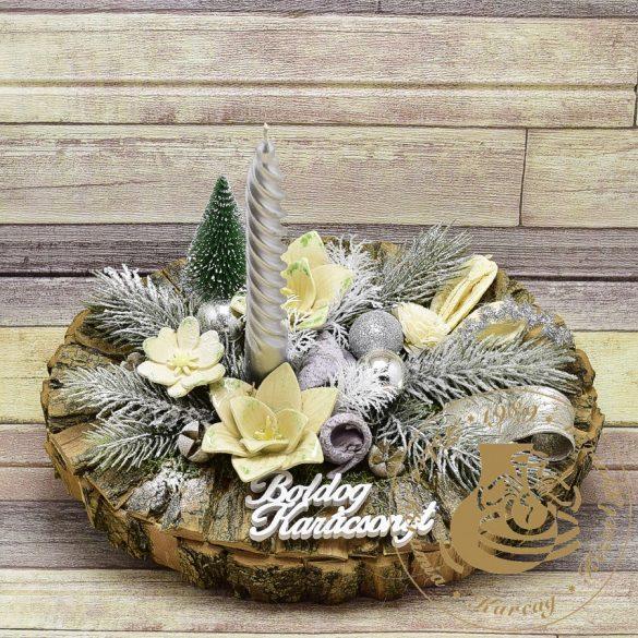 Karácsonyi faháncsos ovál asztaldísz