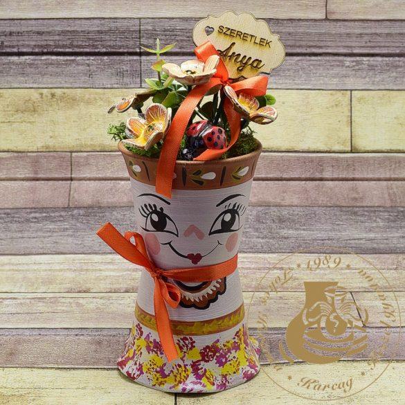 Mini cserépbaba narancssárga kerámiavirágokkal - asztaldísz