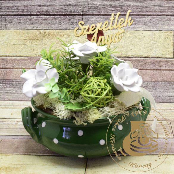 Zöld pöttyös kétfülű tálka kerámiavirággal - asztaldísz